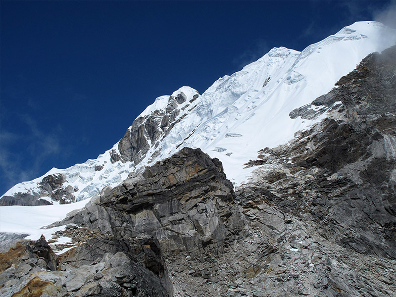Cholatse (via Lobuche East)